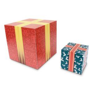サイズ違いのプレゼントボックス風の什器