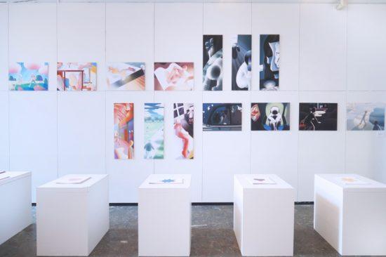 卒業制作展の展示台